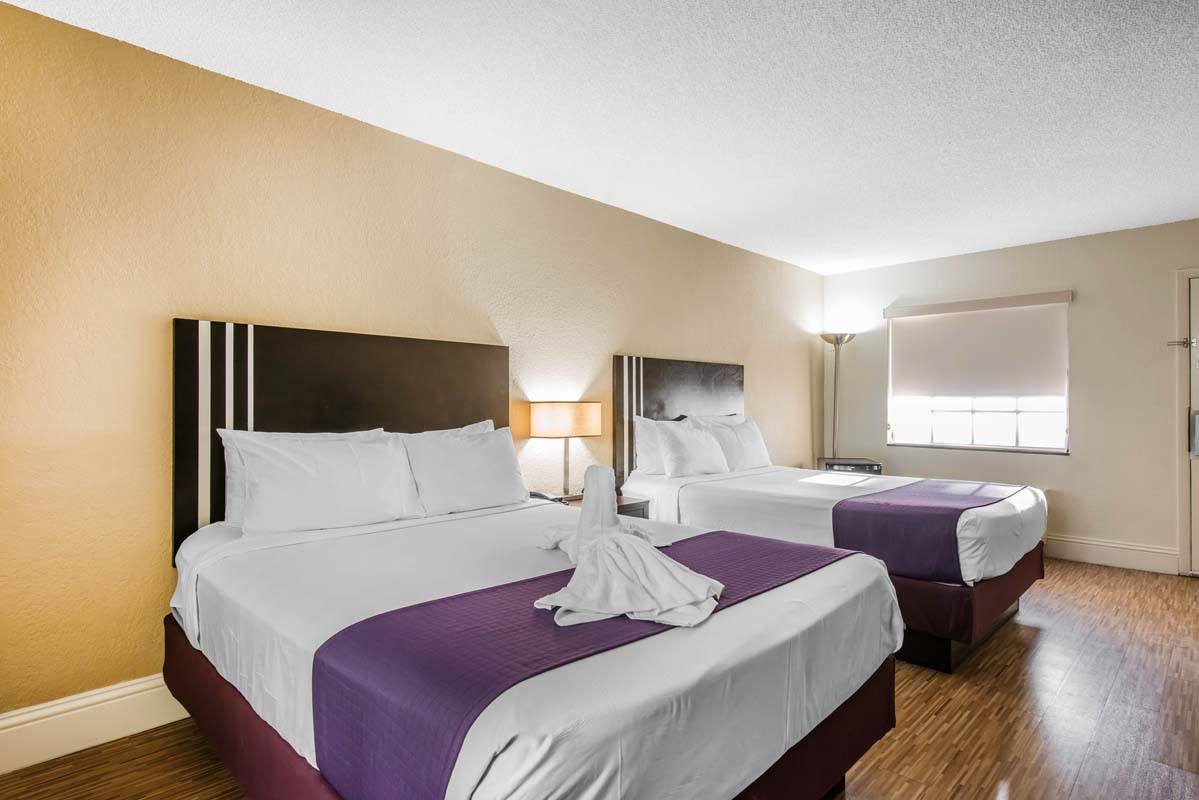 Spacious Rooms And Family Suites In Orlando Fl Jacuzzi Suites In
